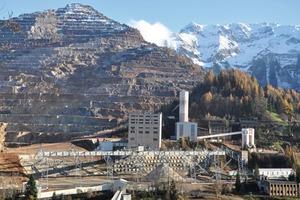 Erzberg – größter Eisenerztagebau Mitteleuropas • Erzberg – largest open iron ore mine in Central Europe <br />