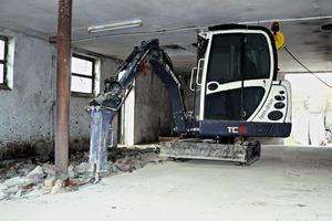 Der mit einem Diesel- und einem Elektromotor ausgestattete Minibagger TC16 Twin Drive hat auf der Intermat Premiere als Serienmodell # Major new innovations from the Terex Construction segment include the TC16 Twin Drive mini excavator which will debut in its production format