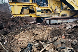"""<div class=""""bildtext"""">2 Processing unsorted demolition and construction waste with a large amount of soil is one of the main areas of Kim Vind's recycling operations</div>"""