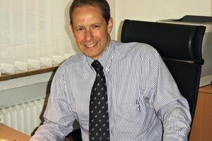 1 Dr. Olaf Enger