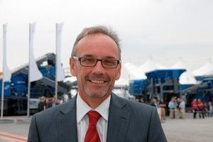 """<span class=""""bildunterschrift_hervorgehoben"""">4</span>Dr. Gerhard Schumacher, Geschäftsführer der Kleemann GmbH, war mit dem Verlauf der Veranstaltung sehr zufrieden<br />"""