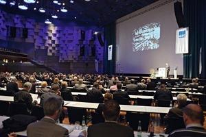 """<span class=""""bildunterschrift_hervorgehoben"""">1</span>Das ForumMIRO 2013 zählte etwa 450Teilnehmer • About 450participants attended the ForumMIRO 2013"""