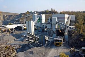 1 Typischer Einsatzort: BMK Steinbruchbetrieb Weißlensburg • Typical application site: BMK quarry in Weisslensburg<br />