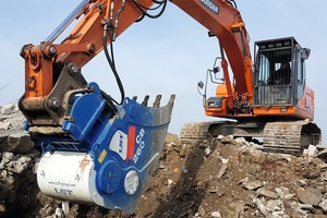 1 With the CB&nbsp;260 crushing bucket, the company DWT can process smaller-scale projects much more efficiently<br />