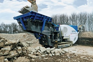 """<div class=""""bildtext"""">PTS Demolition is the first company in England to use a MC 100 R EVO mobile jaw crusher from Kleemann</div>"""