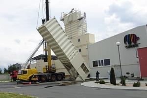 Von der BT-Wolfgang Binder GmbH zusätzlich installierte Rohstoffsilos • The additional raw material silos installed by BT-Wolfgang Binder GmbH<br />