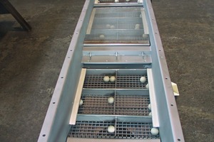Rubber balls for cleaning various screening surfaces<br />