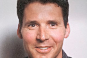 """<div class=""""bildtext"""">Ronald Makovitz, Technical Sales Manager</div>"""