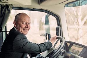 "<div class=""bildtext"">1 Claes Nilsson, President of Volvo Trucks</div>"
