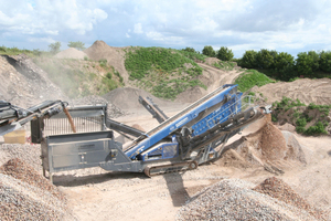 5 The new mobile jaw crusher generation from Kleemann, the Mobicat MC 110 Z EVO2 reliably classifies the feed material in up to four final grain sizes<br />