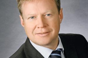"""<div class=""""bildtext"""">Jörg Amend, Produktmanager für den Bereich Gurttrommeln bei Doppstadt</div>"""