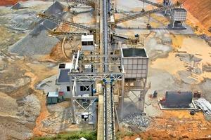 """<span class=""""bildunterschrift_hervorgehoben"""">1</span>Sandvik Mining and Construction Malaysia hat eine vierstufige Brech- und Siebanlage in Kulai, Johor/Malaysia, installiert <br />Sandvik Mining and Construction Malaysia have installed a four-stage crushing and screening plant in Kulai, Johor/Malaysia<br />"""