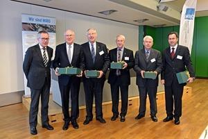 """<span class=""""bildunterschrift_hervorgehoben"""">7</span>MIRO-Präsident Peter Nüdling mit den ausscheidenden Vorstandsmitgliedern Michael Schulz, Heiko Dallmann, Werner Schmeer, Elmar Kirchhoff und Dr. Paul Páez-Maletz (v.l.n.r.) MIRO President Peter Nüdling with the retiring members of the board Michael Schulz, Heiko Dallmann, Werner Schmeer, Elmar Kirchhoff and Dr. Paul Páez-Maletz (from left to right)"""