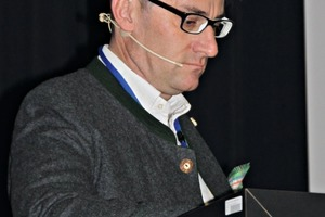 """<div class=""""bildtext"""">Dipl.-Ing. Dr. mont. Roman van Ommen</div>"""
