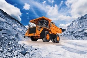 """<div class=""""bildtext"""">Neuer Starrrahmen-Muldenkipper EH1100-5 von Hitachi • New Hitachi EH1100-5 rigid dump truck</div>"""