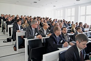 1 Teilnehmer während der Veranstaltung # Participants during the event<br />