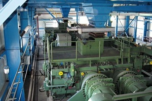11 KHD Walzenpressen zur Kupfererzvermahlung # KHD roller presses for copper ore comminution