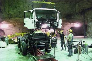 7 MAN Truck im Zusammenbau unter Tage<br /><br />