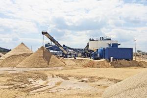 """<div class=""""bildtext"""">2 Die schlüsselfertige Anlage von CDE Global ist seit April 2014 in Betrieb • CDE Global commissioned the turnkey plant in April 2014</div>"""