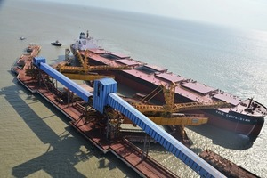 Eisenerzverschiffung in Brasilien • Ship-loading of iron ore in Brazil