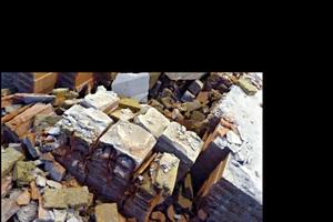 3 Hochlochziegel mit Kammerfüllung • Vertically cored clay brick with chamber filling<br />