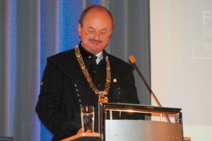 "<span class=""bildunterschrift_hervorgehoben"">2</span>Prof. Dr. Rudolf Kawalla<br />"