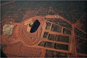 12 Mount Weld Mine in Australien ● Mount Weld mine in Australia