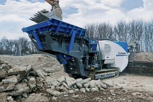 """<div class=""""bildtext"""">2 The MC&nbsp;100&nbsp;R&nbsp;EVO mobile jaw crusher from the latest Kleemann EVO generation is highly versatile thanks to the maximum feed capacity of 220&nbsp;t/h</div>"""