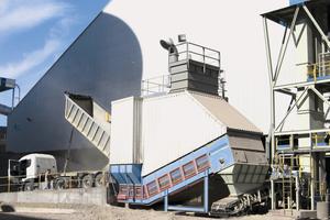 """<div class=""""bildtext"""">Beispiel für einen Samson<sup>®</sup>-Abzugsförderer von AUMUND • Example of a Samson<sup>®</sup> bulk material receiving unit from AUMUND</div>"""