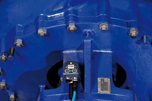 3Der FAG SmartCheck im Einsatz an einer Pumpe # The FAG SmartCheck in use at a pump