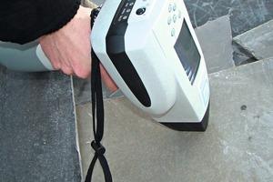 6 Verwendetes Handspektrometer PHAZIR Asbestos ● The manual spectrometer PHAZIR Asbestos in use