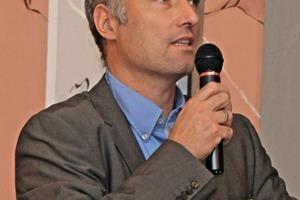 Prof. Urs Peuker
