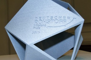 """<div class=""""bildtext"""">The trophy - a reification of raw material efficiency: optimization of material input with simultaneous characteristic design with 6 minimal surfaces, which result from the most effective edge-to-edge connections. Waste-free production through manufacturing in the prototyping process by means of laser sintering in only one process step</div>"""