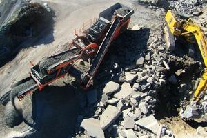 """<div class=""""bildtext"""">Der recycelte Autobahnbeton wird wieder im Straßenbau eingesetzt</div>"""