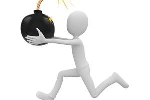 """<span class=""""bildunterschrift_hervorgehoben"""">1</span>Anlagenbetreiber sollten trotz Zeitaufwand und erhöhter Kosten in die Sicherheit ihrer Anlagen investieren In spite of the increased costs and time involved, operators should invest in the safety of their systems"""