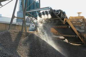 """<div class=""""bildtext"""">2 Fogging at a mobile crusher and screen</div>"""