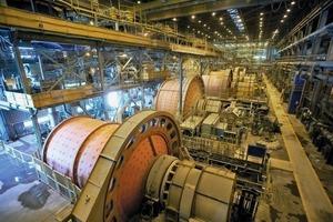"""<div class=""""bildtext"""">10SAG-Mühlen in der Kupfererzaufbereitung • SAG mills in a copper ore processing plant</div>"""