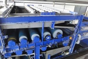 Die Siebbandpresse wird direkt vom Eindicker aus beschickt, sodass etwa 160 m³ Schlamm pro Betriebstag entwässert werden