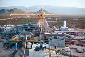 7 Aufbereitungsanlage Mine Peñasquito • Peñasquito mine's preparation plant<br />
