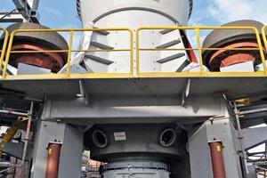Inbetriebnahme einer Loesche Mühle 28.3D bei der RWE Power AG • Commissioning the Loesche mill 28.3D by RWE Power AG<br />