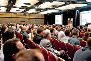 Tagungsteilnehmer während der letzten Veranstaltung 2011 • Conference delegates at the last event in 2011